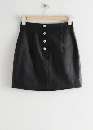 Приталенная мини-юбка из льна &Other Stories. Цвет: черный