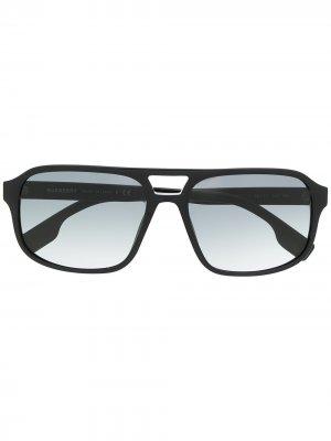 Солнцезащитные очки-авиаторы Burberry Eyewear. Цвет: черный