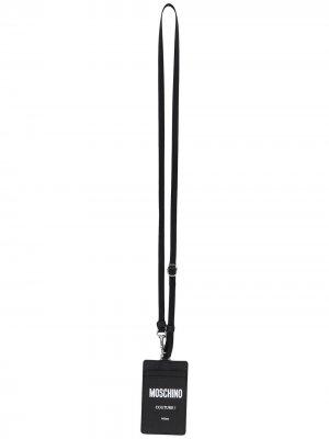 Картхолдер с ремешком на шею и логотипом Moschino. Цвет: черный
