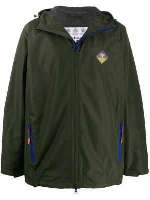 Куртка с капюшоном Barbour. Цвет: зеленый