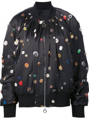 Атласная куртка-бомбер с принтом пуговиц Edun. Цвет: чёрный