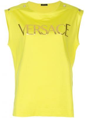 Футболка с принтом логотипа Versace. Цвет: жёлтый и оранжевый