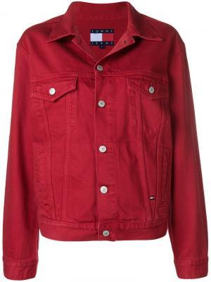 Джинсовая куртка с логотипом Tommy Jeans. Цвет: красный