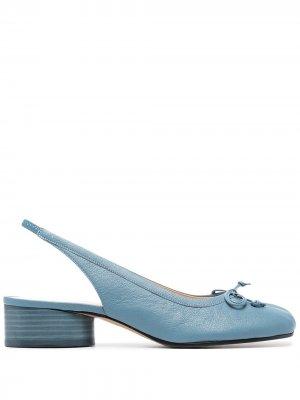 Туфли Tabi 40 с ремешком на пятке Maison Margiela. Цвет: синий