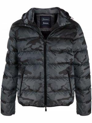 Camouflage-print padded coat Herno. Цвет: черный