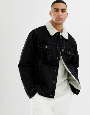 Черная джинсовая куртка с подкладкой и воротником борг Bershka. Цвет: черный