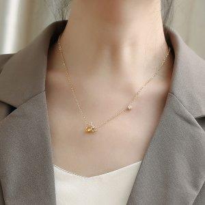 Ожерелье 18K Позолоченный с цирконом пчелка SHEIN. Цвет: золотистый