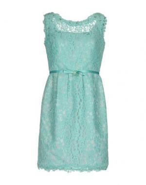 Короткое платье LEXUS. Цвет: светло-зеленый