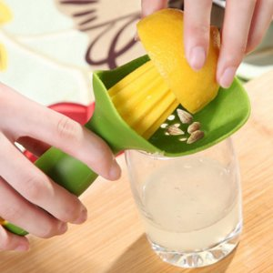 Ручная лимонная соковыжималка 1шт SHEIN. Цвет: зелёные