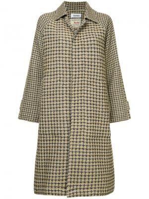 Твидовое пальто в клетку COOHEM. Цвет: коричневый