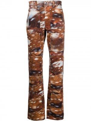 Расклешенные джинсы с графичным принтом Lourdes. Цвет: коричневый