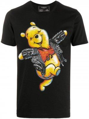 Футболка с принтом Winnie the Pooh DOMREBEL. Цвет: черный