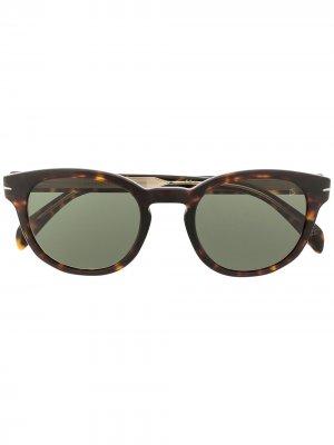 Солнцезащитные очки 1046/S в прямоугольной оправе Eyewear by David Beckham. Цвет: коричневый