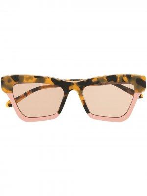 Массивные солнцезащитные очки Karen Walker. Цвет: коричневый