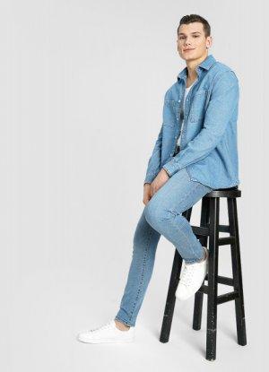 Базовая джинсовая рубашка O`Stin. Цвет: голубой
