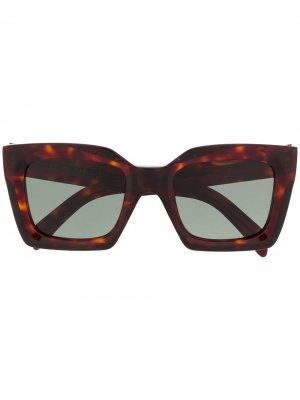 Солнцезащитные очки в массивной оправе черепаховой расцветки Celine Eyewear. Цвет: коричневый