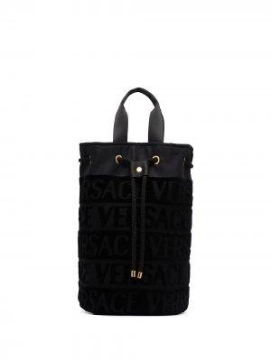Пляжная сумка с кулиской и логотипом Versace. Цвет: черный