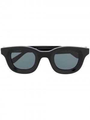 Солнцезащитные очки в квадратной оправе с затемненными линзами Rhude. Цвет: черный
