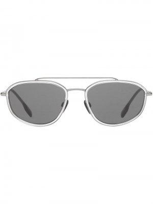Солнцезащитные очки в геометричной оправе Burberry Eyewear. Цвет: серый