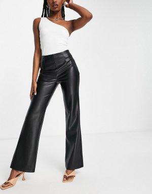 Черные расклешенные брюки из искусственной кожи -Черный цвет ASOS DESIGN
