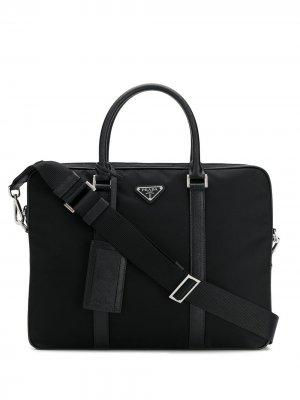 Сумка для ноутбука с металлическим логотипом Prada. Цвет: черный