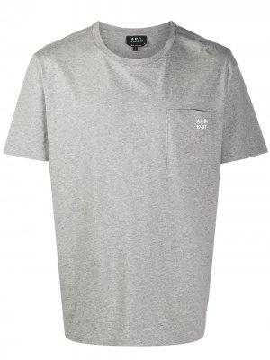 Футболка с накладным карманом и логотипом A.P.C.. Цвет: серый