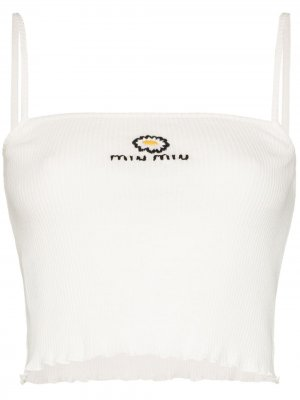 Укороченный топ в рубчик с вышитым логотипом Miu. Цвет: белый