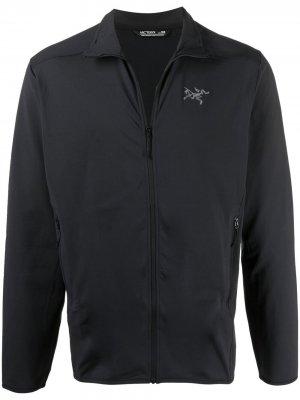 Arcteryx спортивная куртка с вышитым логотипом Arc'teryx. Цвет: черный