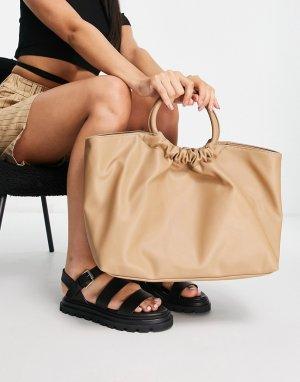 Большая присборенная сумка-тоут с ручкой из мягкой искусственной кожи светло-бежевого цвета Emmy-Светло-бежевый цвет Forever New