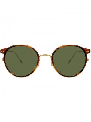 Затемненные солнцезащитные очки в круглой оправе Linda Farrow. Цвет: коричневый