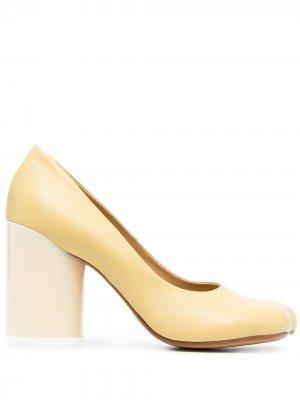 Туфли-лодочки с квадратным носком MM6 Maison Margiela. Цвет: желтый