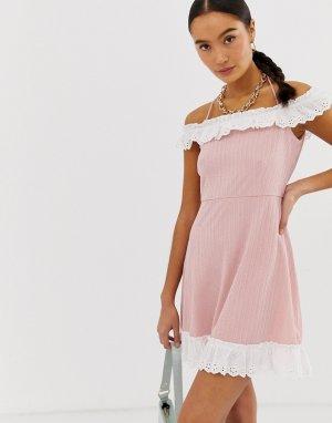 Платье с открытыми плечами и контрастной отделкой оборками Emory Park