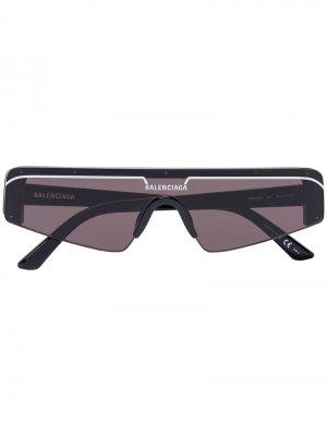 Лыжные солнцезащитные очки в прямоугольной оправе Balenciaga Eyewear. Цвет: черный