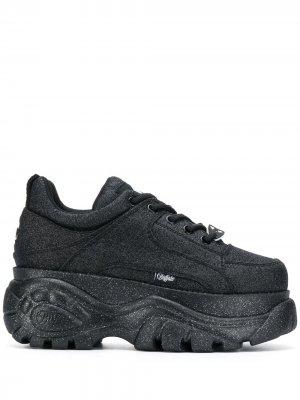 Кроссовки на платформе с блестками Buffalo. Цвет: черный