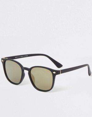 Узкие солнцезащитные очки черного цвета -Черный цвет River Island