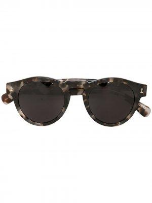 Солнцезащитные очки Leonard в оправе черепаховой расцветки Illesteva. Цвет: белый