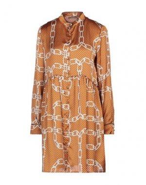 Короткое платье FLY GIRL. Цвет: ржаво-коричневый