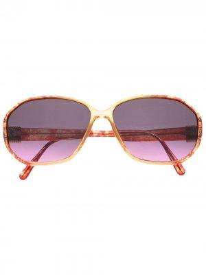 Солнцезащитные очки 1970-х годов в массивной оправе Christian Dior. Цвет: красный