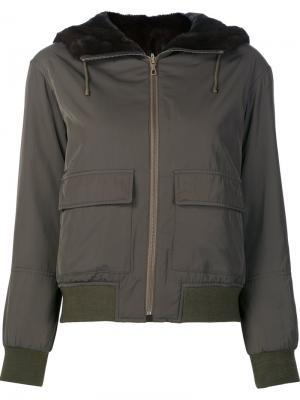 Куртка-бомбер с меховой оторочкой Yves Salomon. Цвет: зелёный