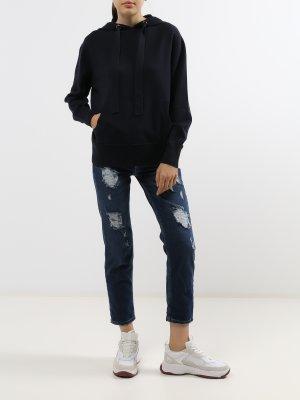 Женские рваные джинсы Rinascimento. Цвет: siniy