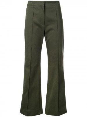 Укороченные расклешенные брюки со складками Derek Lam. Цвет: зеленый