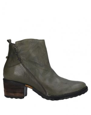 Полусапоги и высокие ботинки KHRIO'. Цвет: зеленый-милитари