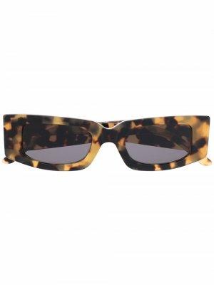 Солнцезащитные очки Prototype в прямоугольной оправе Sunnei. Цвет: коричневый