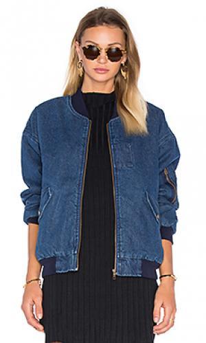 Куртка-бомбер с передним карманом и подкладкой из искусственно шепры J.O.A.. Цвет: none
