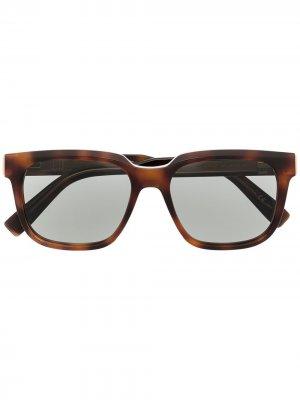 Солнцезащитные очки в оправе черепаховой расцветки Dunhill. Цвет: коричневый