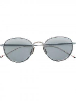 Солнцезащитные очки в круглой оправе Thom Browne Eyewear. Цвет: 01
