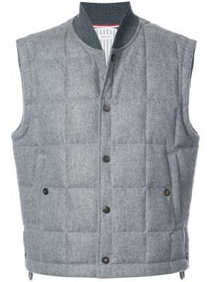 Пуховой жилет Thom Browne. Цвет: серый