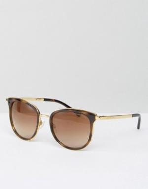 Классические солнцезащитные очки кошачий глаз в черепаховой оправе Mic Michael Kors. Цвет: коричневый