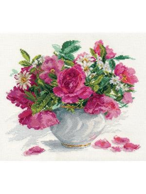 Набор для вышивания Цветущий сад: Розы и ромашки  30х26 см. Алиса. Цвет: белый, зеленый, розовый