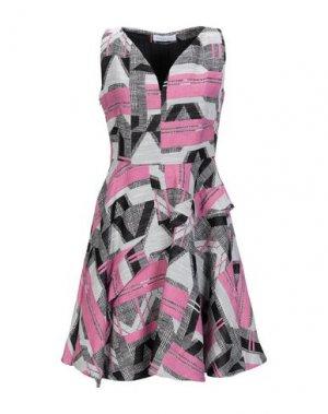 Короткое платье PARAKIAN. Цвет: фуксия